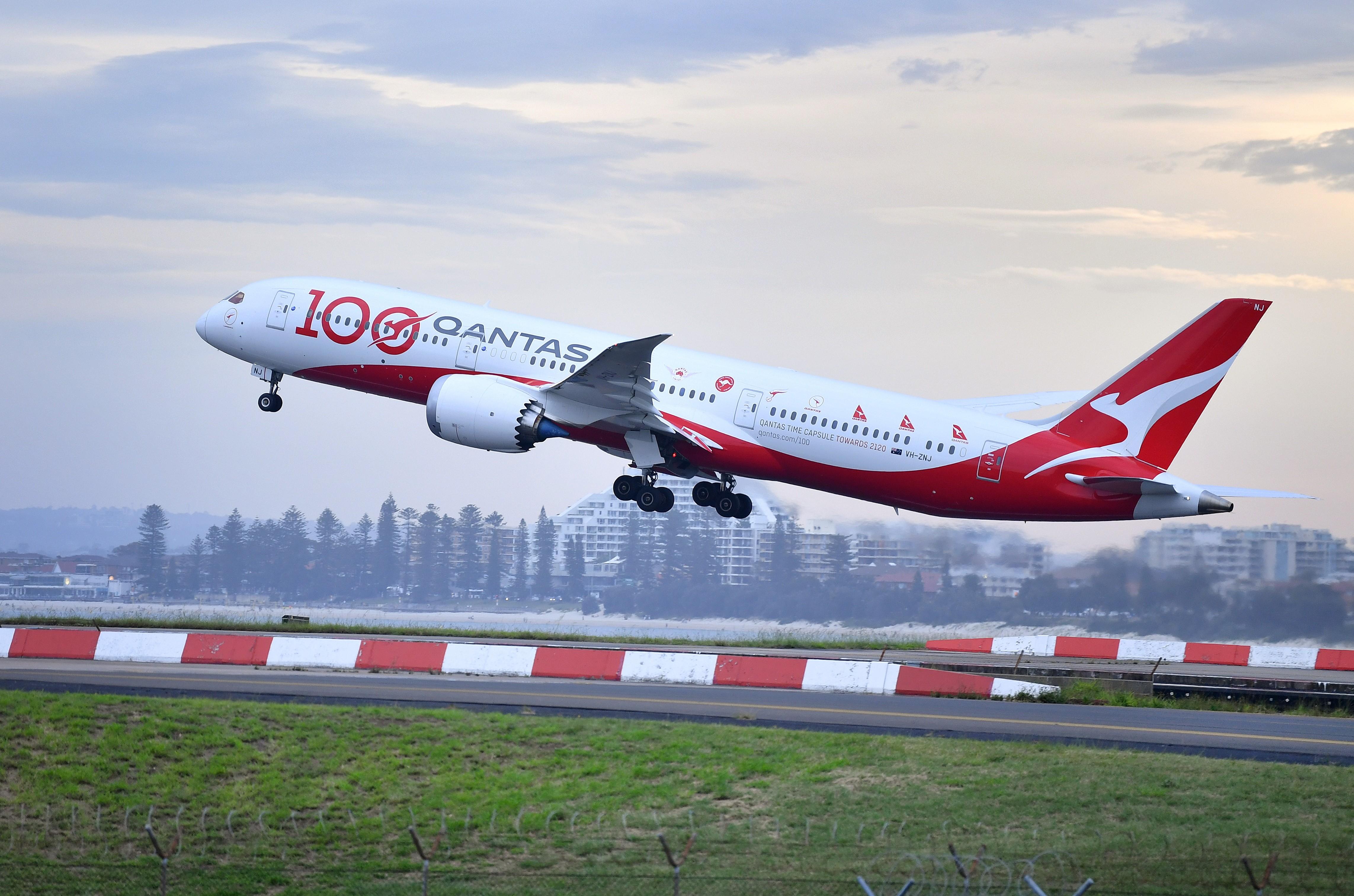 Qantas estuda obrigar que passageiros internacionais se vacinem contra a Covid-19