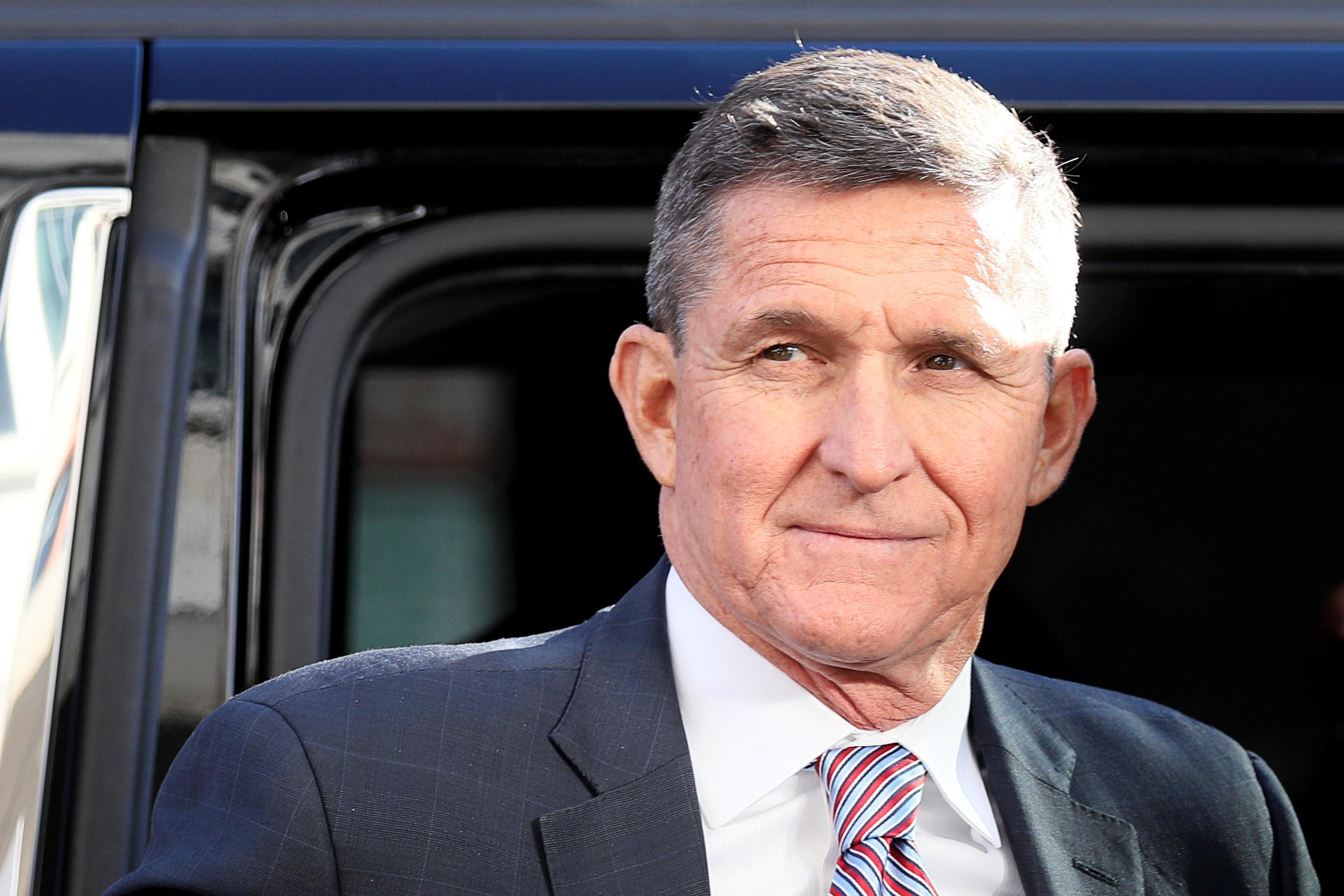 Trump anuncia indulto presidencial a seu ex-assessor Michael Flynn