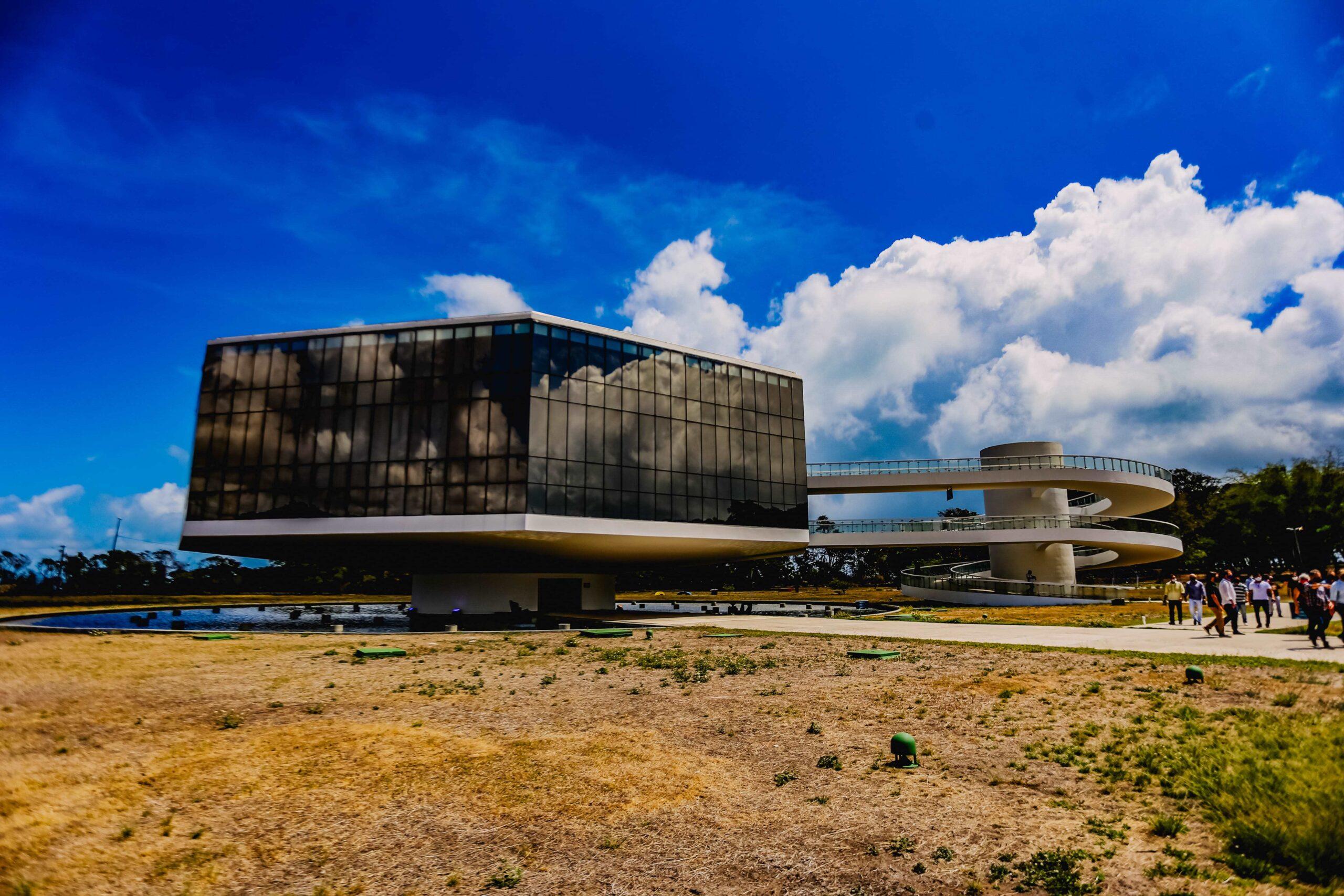 Cícero e João vistoriam Estação Cabo Branco e planejam reforma